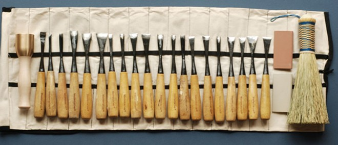 Hand carving tools you cannot do without in woodworking