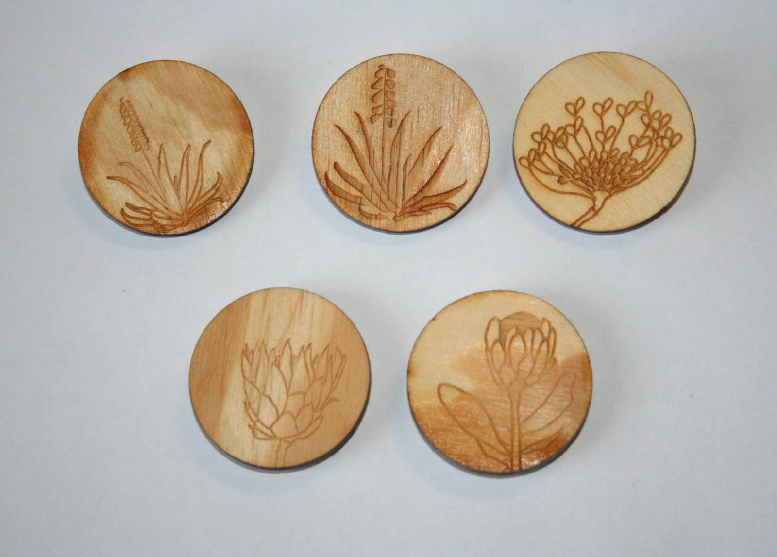 wooden flower magnets